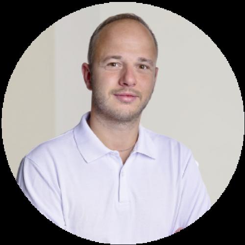 MUDr. Zdeněk Pokorný, PhD. - stomatochirurg-zubar-zubna ambulancia-zubna chirurgia-zubar